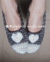 Ballerine lana donna con cuoricino - babbucce donna - fatte a mano - uncinetto - lana