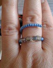 Anello perline blu e multicolore