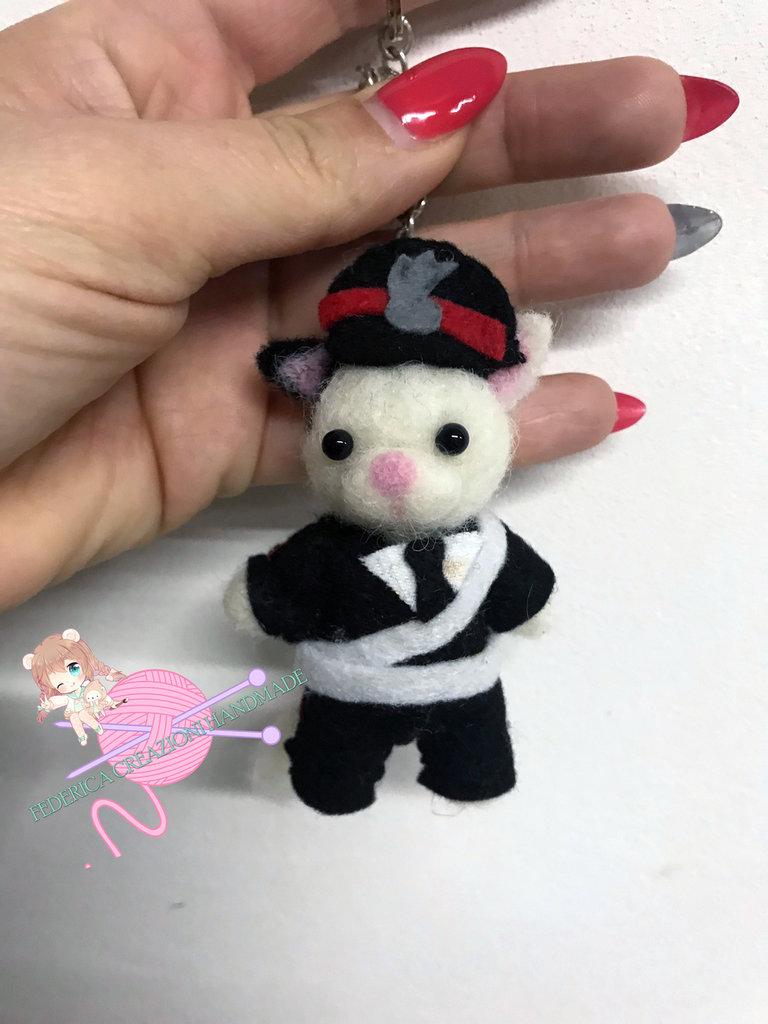Portachiavi gattino carabiniere in lana cardata e pannolenci
