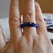 Anello perline blu