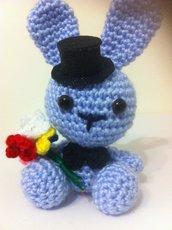 coniglietto romantico azzurro, amigurumi