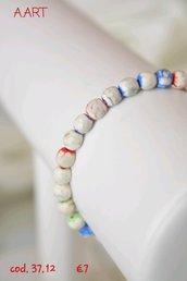 Bracciale di pietre bianche e multicolore