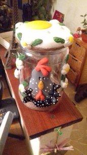 """Contenitore decorato per cucina tema: """"Gallina contadina"""""""