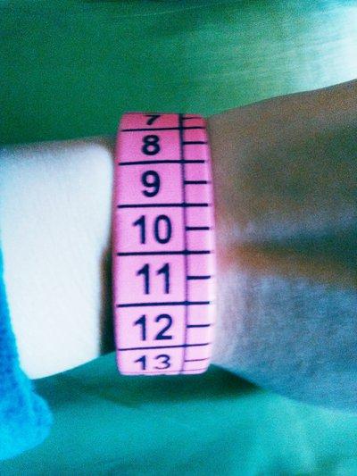Bracciale rosa con metro