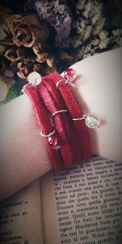 Bracciale in feltro rosso a strisce