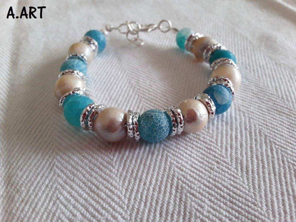 Bracciale con perle di fiume e pietre naturali celesti