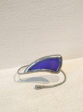 Bracciale modellabile in vetro tiffany e tessuto viola luminoso