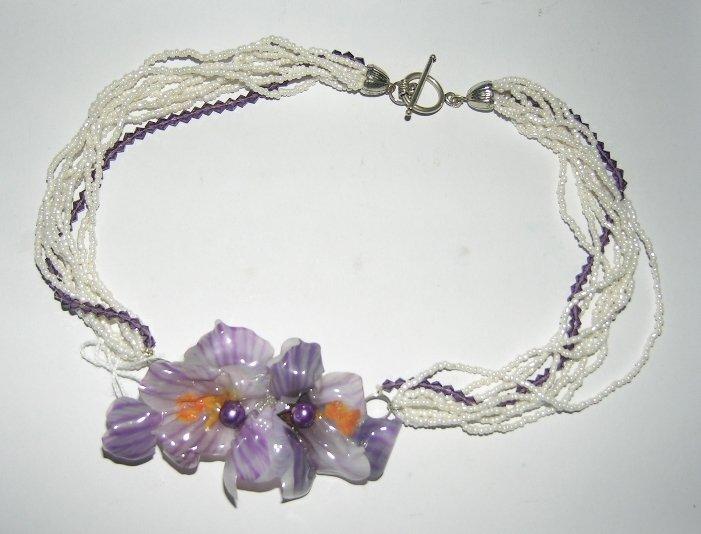 girocolo perle e fiore
