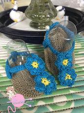 Infradito uncinetto neonata con due fiori, azzurro