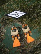 Orecchini pendenti arancione
