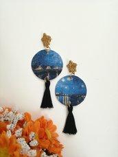 Van Gogh orecchini di carta pendenti con stella dorata e nappine nere