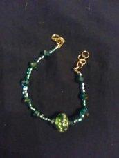 Bracciale con motivo verde ovale centrale