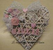 Fiocco nascita cuore di vimini con nome e fiori di feltro.decorazione nascita personalizzata