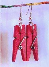 Orecchini con mini mollette in legno - Rosse