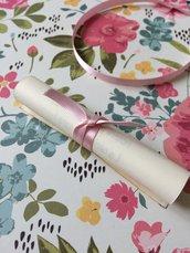 Pergamena invito battesimo bambina avorio con nastrino in raso rosa
