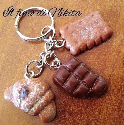 """Portachiavi """"cornetto biscotto e cioccolato"""" in fimo"""