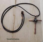 Collana  medievale croce wire in rame e pietra giada