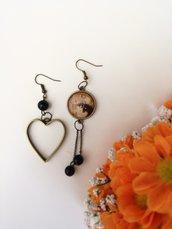 """Orecchini pendenti con ciondolo cammeo """"maternità"""" di Klimt e ciondolo cuore"""