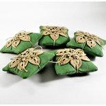 cuscino profuma cassetto alla lavanda con applicazione all'uncinetto, idea regalo o bomboniera.
