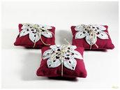 cuscino profumato alla lavanda con applicazione all'uncinetto, colore prugna ed indaco, idea regalo o bomboniera.