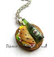 Collana Vassoio con Piadina prosciutto, insalata e formaggio e birra - idea regalo - miniature - handmade
