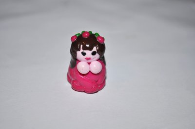 Miniatura di bambolina in fimo + cupcakes