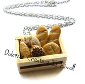 Collana Cassetta di pane - Idea regalo - miniature in fimo e cernit - handmade