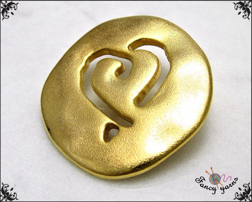 5 bottoni cuore traforato mm. 26, in metallo cromato colore oro, attaccatura con gambo