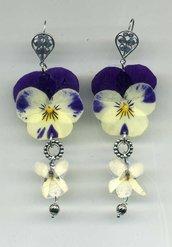 ORECCHINI pendenti con viola del pensiero bicolore e violetta bianca veri