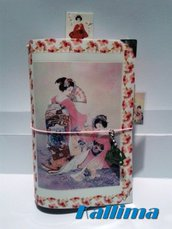 Astuccio per Traveler's notebook  KALLIDORI stile Geisha fatta a mano in gomma eva   e carta stampata plastificata.