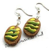 Orecchini toast pane ai cereali - integrale con avocado - miniature handmade idea regalo in fimo e cernit