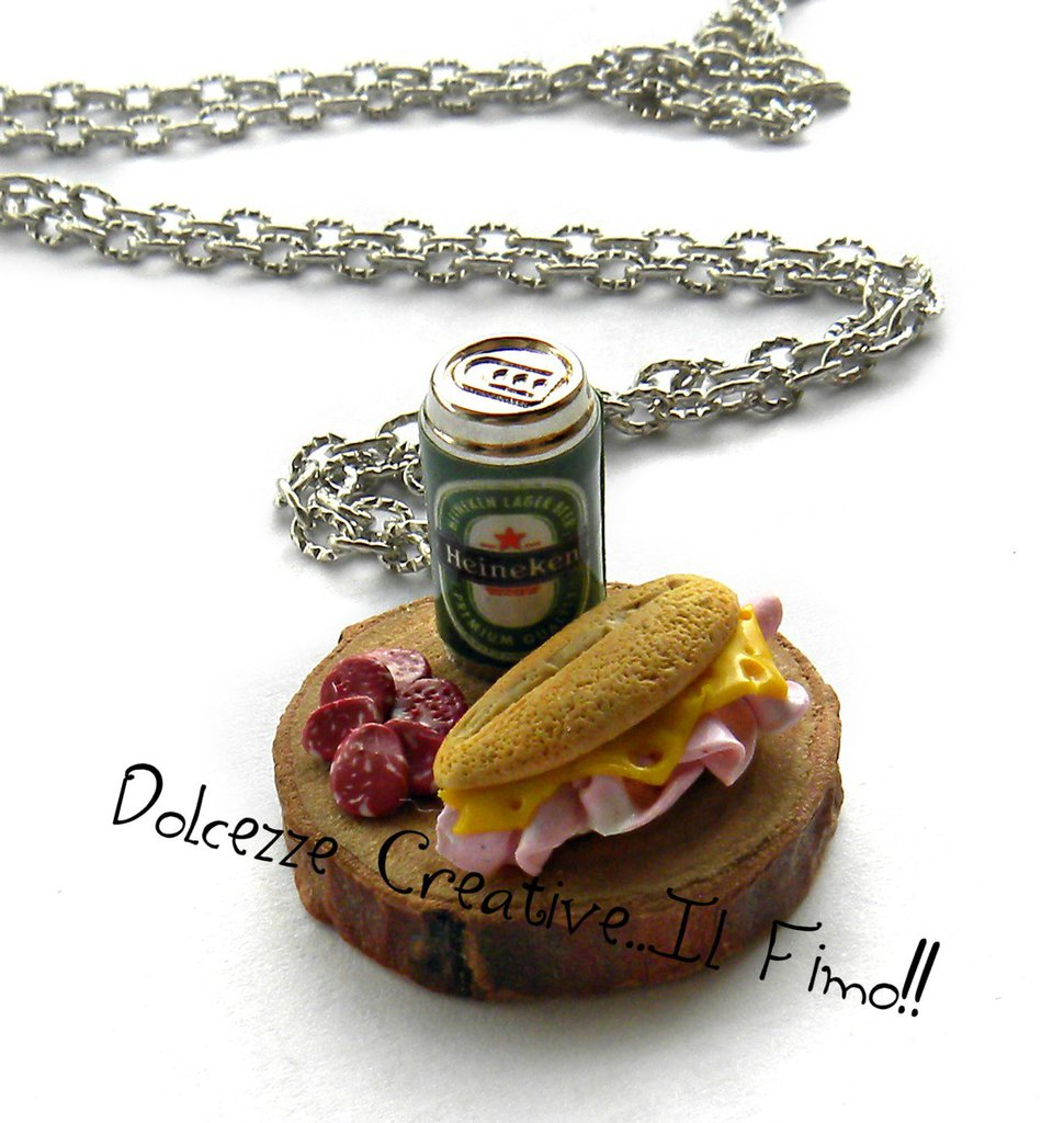 Collana Mini - Vassoio con birra, panino prosciutto e formaggio e fette di salame - miniature idea regalo handmade