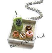 Collana Vassoio Frullato alla mela verde e donut - ciambelle americane glassate al cioccolato bianco, al latte e alla fragola