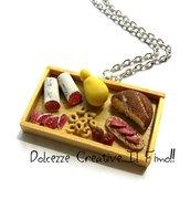 Collana Vassoio Salumi e formaggi - Salame, taralli, pane caciocavallo ecc - miniature idea regalo kawaii