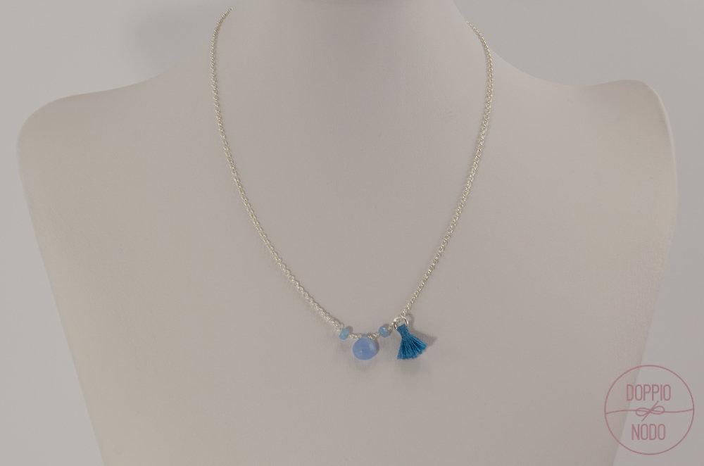 Collana catenina in argento 925 con pietra dura e nappina azzurra