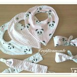 Set nascita di Bavette bandana in cotone francese con clip.