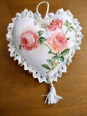 Cuore   morbidoso con rose