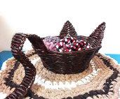 Cestino ciotola contenitore con orecchie e coda di gatto portaoggetti svuotatasche, colore marrone cioccolato, intrecciato a mano