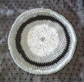 Cuccia tappetino per cane o gatto, fatto a mano con materiali riciclati.