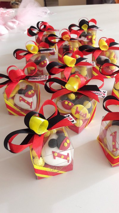 Compleanno Minnie Confetti Decorati Minnie Fucsia Minnie Pois
