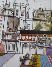 Charm ciondolo 'Macchina da cucire' in argento tibetano