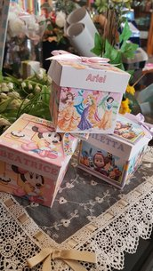 Scatoline con confetti personalizzate Masha e Orso o Minnie e Principesse