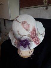Cappello a fiori
