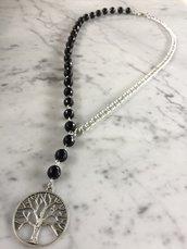 Collana lunga con perle in onice, catena in alluminio e pendente