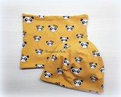 Cappellino e scaldacollo giallo con panda
