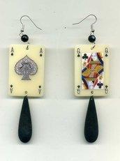 ORECCHINI pendenti con carte da gioco in plexiglas