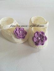Scarpine bambina in bianco panna con fiore lilla