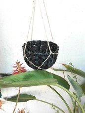 Cestino artigianale intrecciato fatto a mano portavaso contenitore da appendere nero