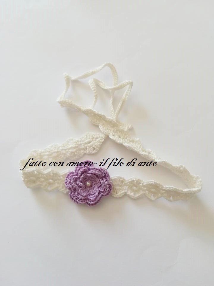 Fascia bambina in puro cotone bianco panna  con fiore lilla