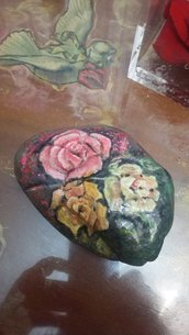 Rose su pietra